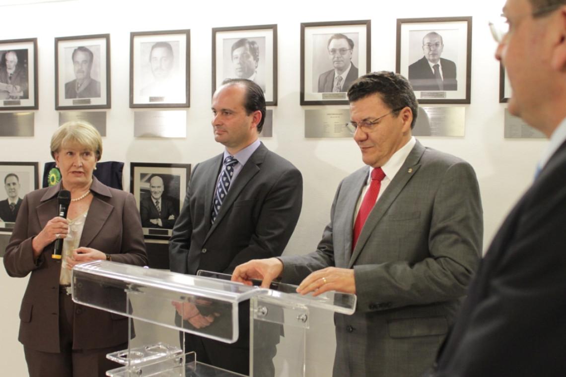 Juiz gaúcho é homenageado pela Associação dos Juízes Federais