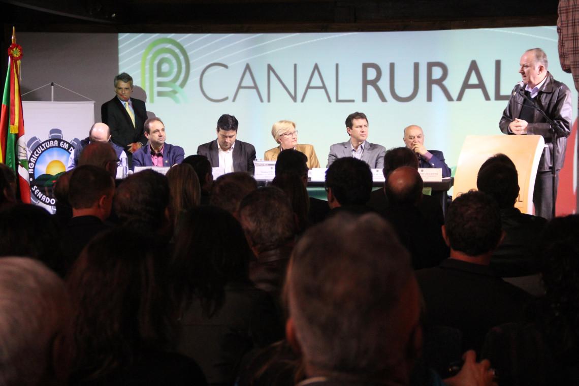 Legislação sanitária brasileira unificada é debatida em audiência do Senado na Expointer, em Esteio