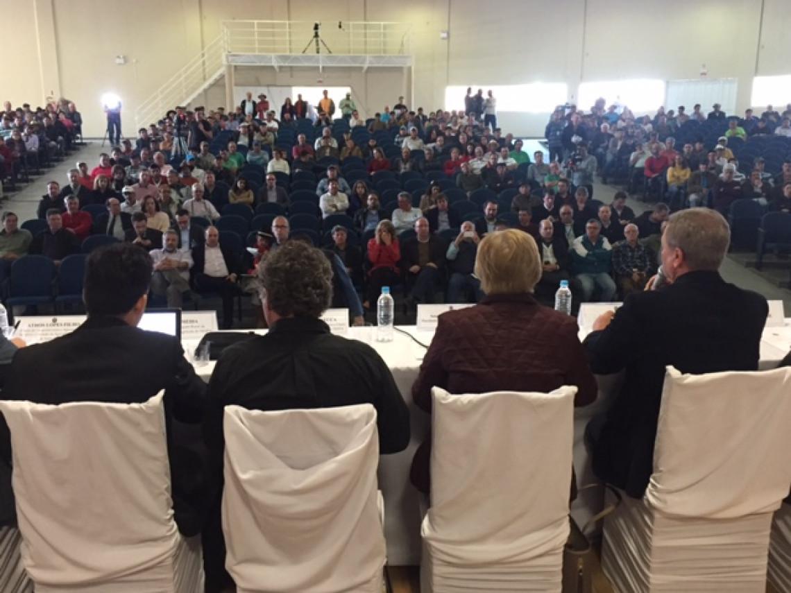 Produtores de maçã apresentam demandas em audiência da CRA