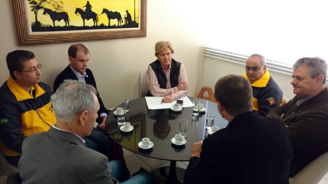 Representantes das centrais sindicais debatem regras nas áreas da previdência social e trabalho