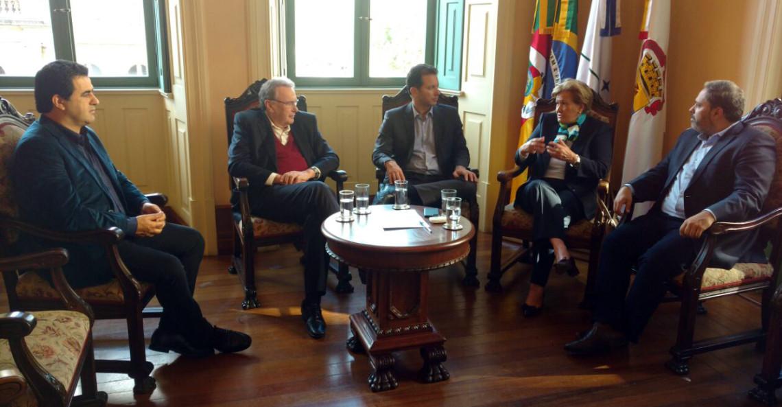 Em visita à Prefeitura de Porto Alegre, senadora renova compromisso com demandas da Capital