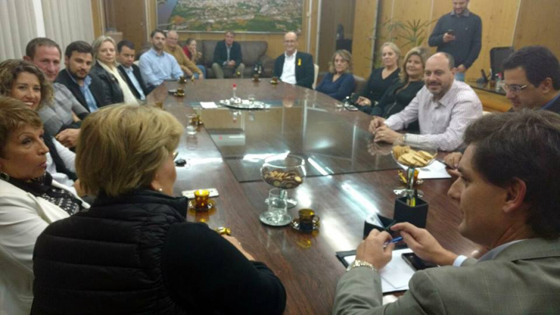 Em visita à Prefeitura, senadora renova apoio a projeto para construção de escola infantil em Lajeado