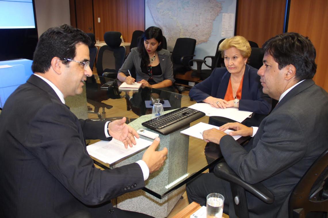Reunião no Ministério da Educação debate instalação do curso de medicina em Ijuí