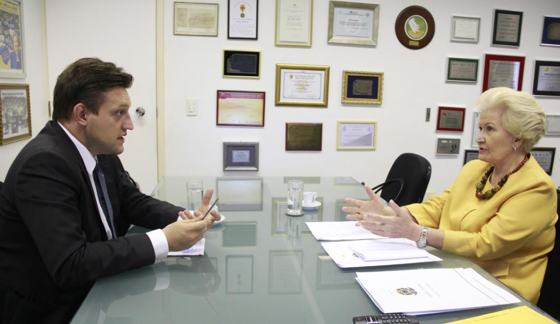 Prefeito de Bento Gonçalves demonstra preocupação sobre a importação de insumos de bebidas