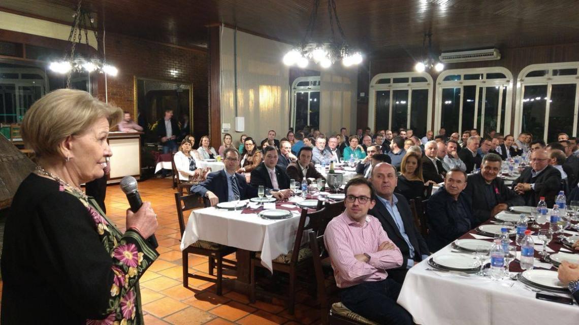 Cerca de 200 empresários de Farroupilha e região prestigiam palestra da senadora