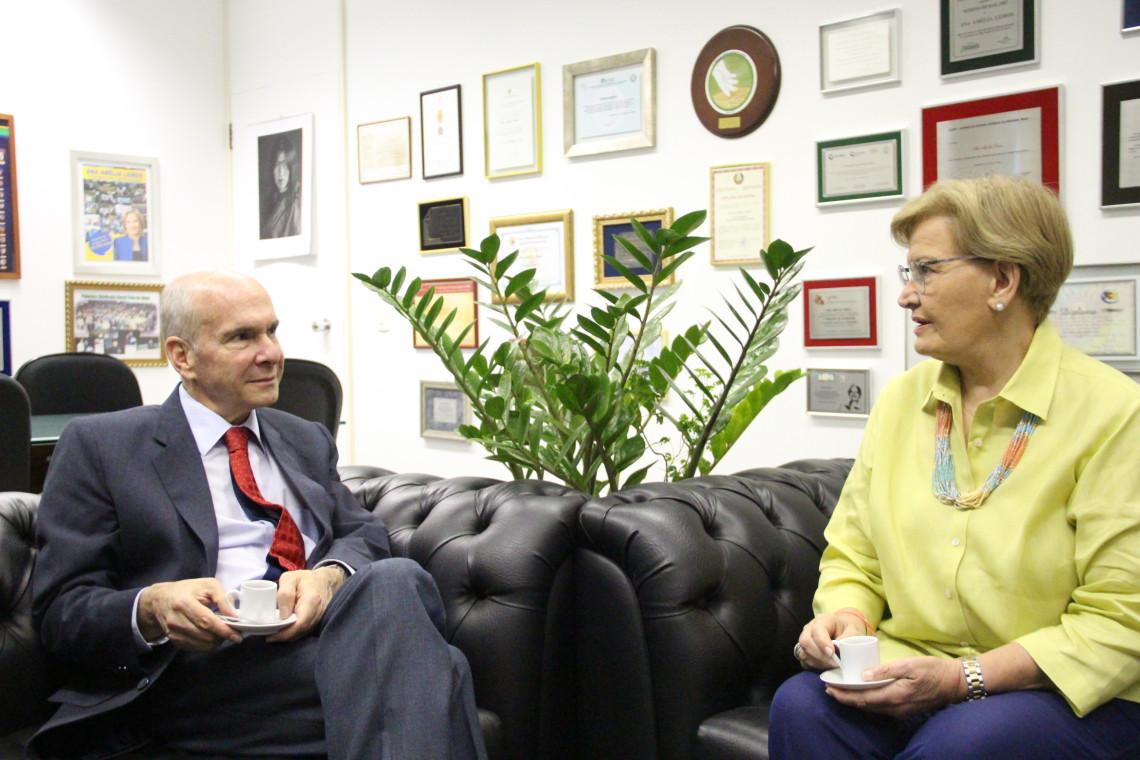 Embaixador dos Estados Unidos visita parlamentar gaúcha