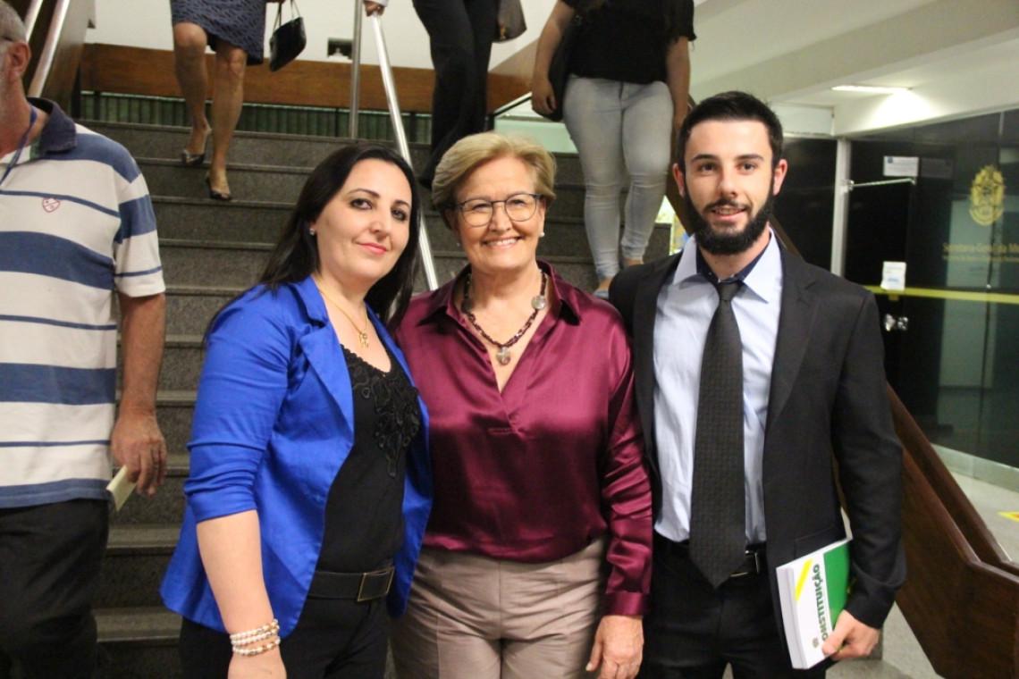 Estudantes de Direito da Universidade de Passo Fundo são recebidos no gabinete