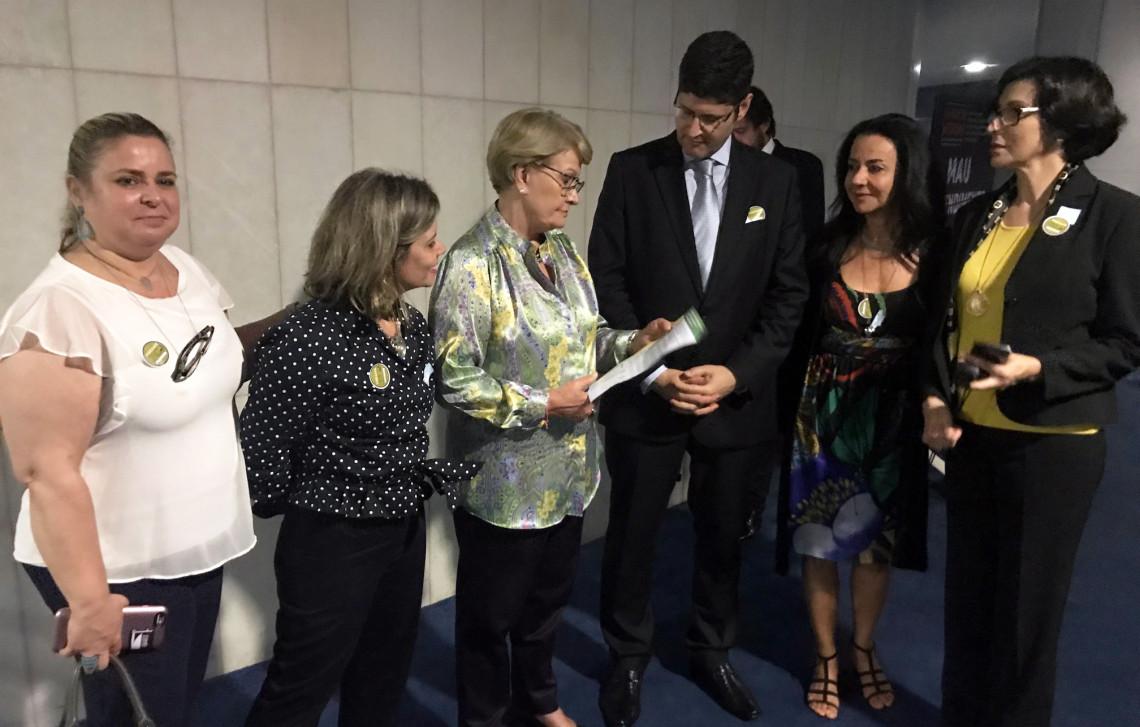 Movimentos lançam projeto para dar transparência à atuação dos parlamentares