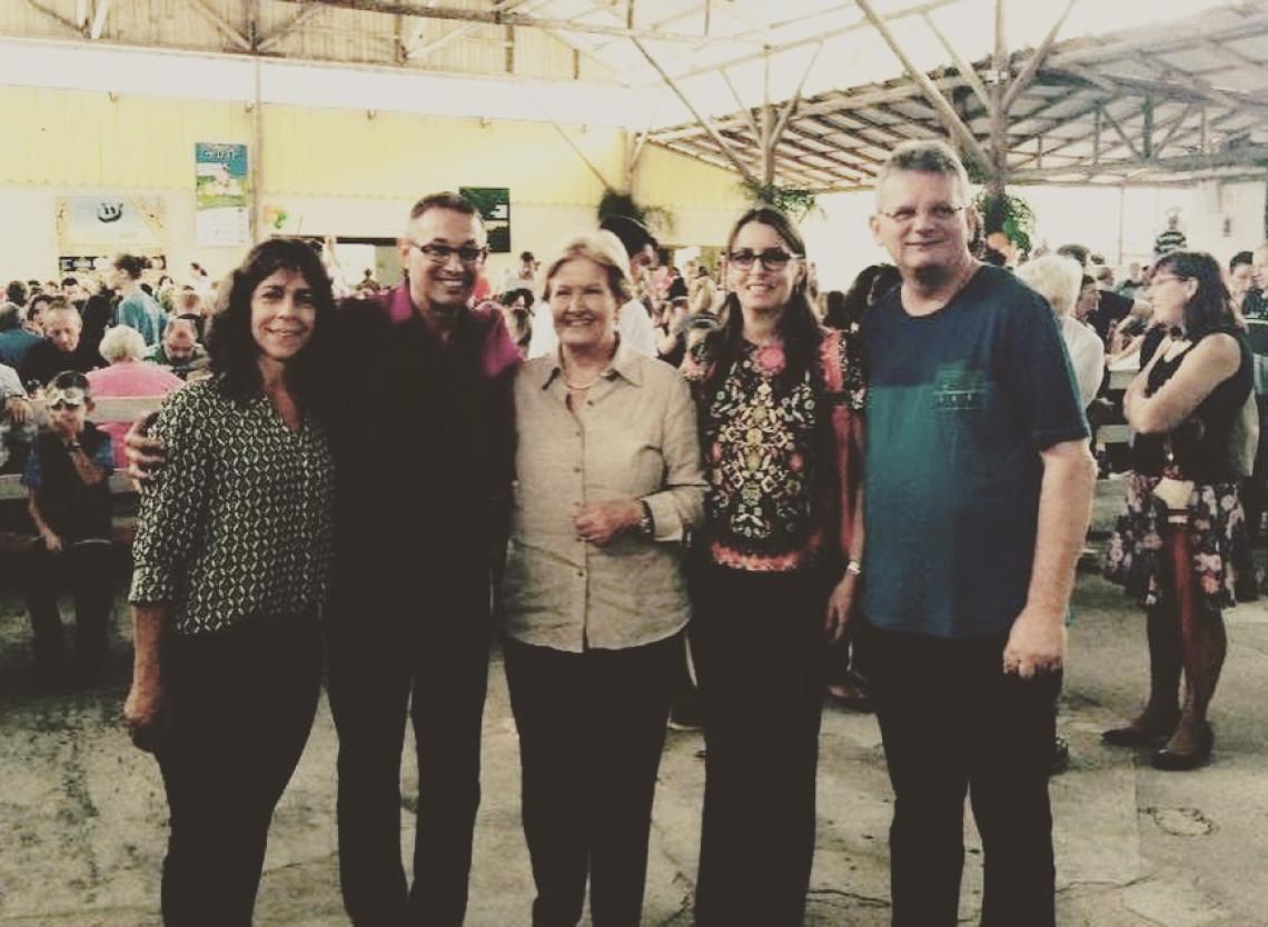 Ana Amélia prestigia programação do Magia de Páscoa e participa da Festa do Galeto, em Gramado