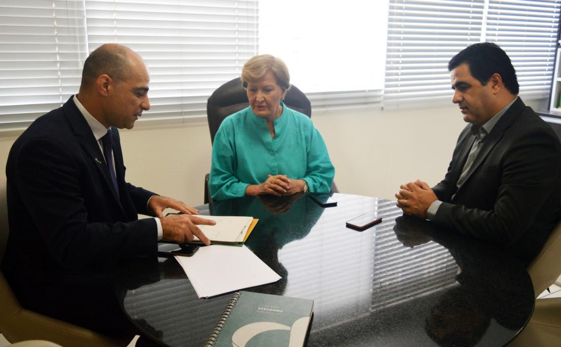 Sescon-RS pede apoio da senadora para derrubada de veto ao Refis das micro e pequenas empresas