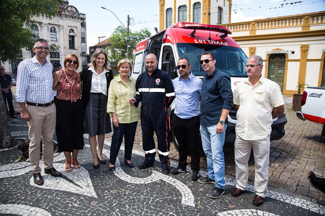 Samu em Pelotas recebe nova ambulância