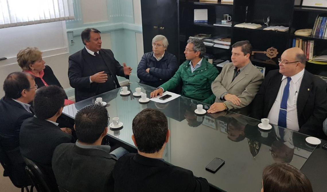 Free shops e binacionalização do Aeroporto foram temas de reuniões em Santana do Livramento