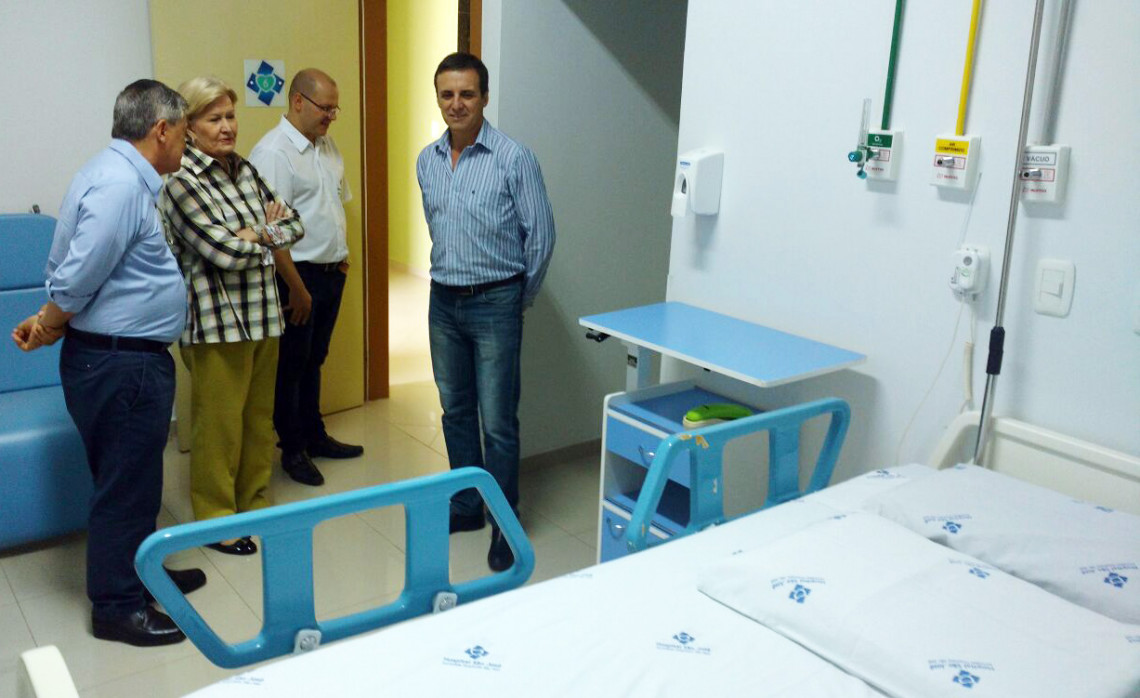 Hospital São José, de Antônio Prado, recebe a senadora Ana Amélia