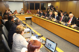 Reunião no Ministério da Saúde em busca de mais recursos para funcionamento das UPAs
