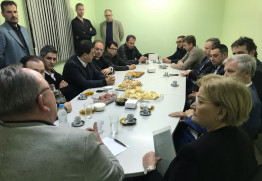 Prefeito e lideranças do setor calçadista recebem senadora em Nova Hartz