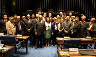Senadora manifesta apoio a projeto que estabelece assistência odontológica em hospitais
