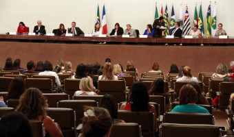 Senado abre encontro para discutir formas de melhorar assistência à primeira infância
