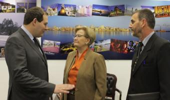 Prefeito debate inclusão de Lagoa Vermelha no programa Cartão Reforma