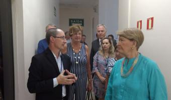 Em Santa Cruz, Ana Amélia visita Hospital da Unisc