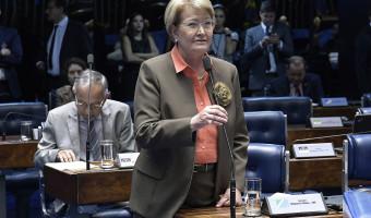Senado proíbe cobrança por marcação antecipada de assentos em aviões