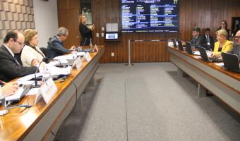 Ministro da Educação confirma à senadora Ana Amélia que MEC irá recorrer da decisão sobre edital de medicina