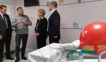 Em Bento Gonçalves, Ana Amélia visita Hospital Tacchini