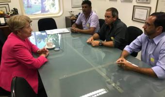 Caminhoneiros se reúnem com senadora para tratar da greve