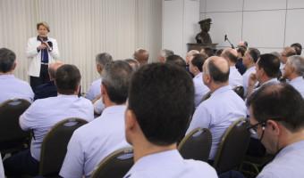 Em palestra a oficiais-generais da FAB, senadora reforça importância do voto