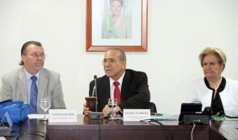 Parlamentares pedem redução do IPI para vinho e cachaça ao ministro Eliseu Padilha