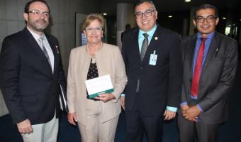 Presidente da Associação Nacional dos Defensores Públicos é recebido pela senadora