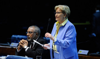 Ana Amélia apresenta voto de pesar pelo falecimento de Eva Sopher