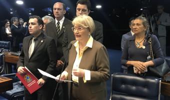 Senadora cobra votação de projeto que prevê assistência odontológica nos hospitais
