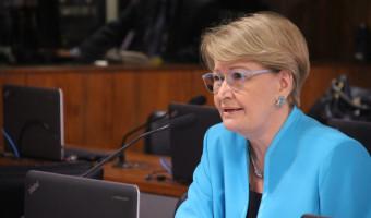 Ana Amélia elogia declaração de presidente do TSE contra fake news nas eleições