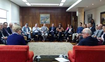Reitor e diretores da UFRGS renovam apoio ao projeto que cria fundos patrimoniais