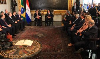 Em visita ao Congresso, presidente do Paraguai prega cooperação cada vez maior