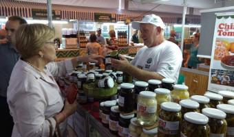 Pavilhão reúne produção de 200 agricultores familiares
