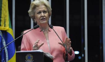 Ana Amélia manifesta preocupação com a falta de prioridades na educação pública brasileira
