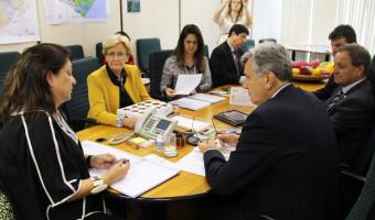 Reunião no Ministério da Agricultura encaminha soluções para demandas da cadeia produtiva da maçã
