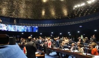 Aprovada em segundo turno, PEC da reforma política segue para a Câmara
