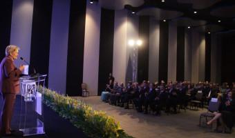 Ana Amélia é homenageada pela Federação Nacional dos Corretores de Imóveis