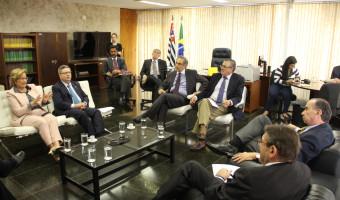 Senadores chilenos visitam Senado e querem estreitar relações econômicas com o Brasil