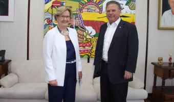 Ana Amélia apresenta balanço de atividades da CRA ao ministro da Agricultura