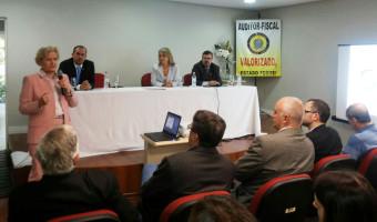 Auditores fiscais recebem a senadora Ana Amélia em encontro em Porto Alegre