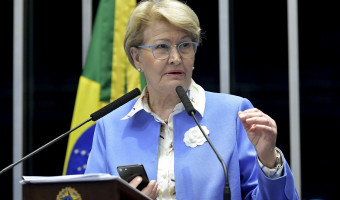 Ana Amélia destaca leis voltadas aos pacientes com câncer ao falar sobre dia nacional de combate à doença