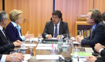 Ministro da Educação assume compromisso na execução do orçamento de 2016 para as obras do Hospital Escola de Pelotas