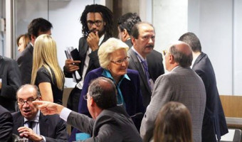 Juristas Janaína Paschoal e Reale Jr. defendem pedido de impeachment de Dilma
