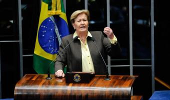 Ana Amélia refresca memória de senadores petistas que insistem em falar em má gestão