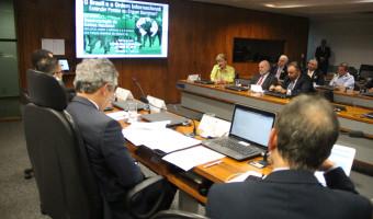 Uso das Forças Armadas na segurança pública é debatido na CRE