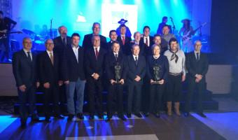 Ana Amélia é agraciada com Prêmio Coopetrol