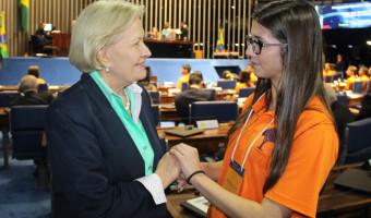 Jovens senadores são recebidos em Brasília